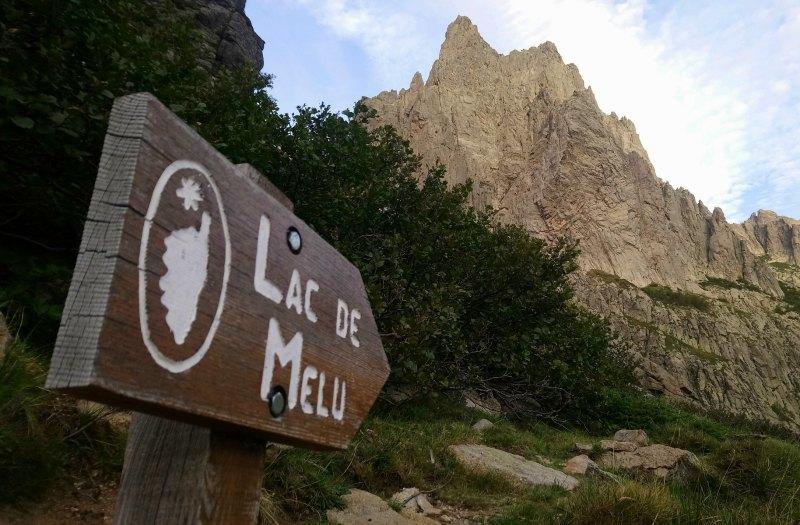 La randonnée des lacs de Melu et Capitellu à Corte | Corse VTC